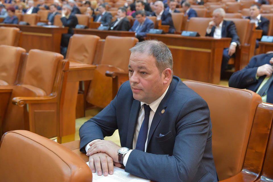 Claudiu Răcuci: Chiar dacă Guvernul mi-a preluat o parte din proiectul privind evaluarea persoanelor cu handicap, mă bucur că oamenii nu vor mai suferi din cauza statului