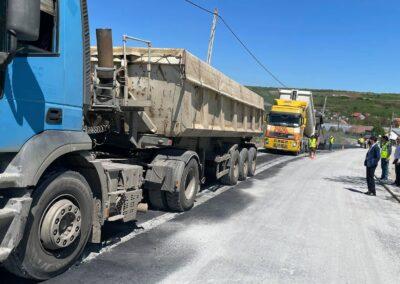 Primul strat de asfalt pe DJ 107I – Transalpina de Apuseni